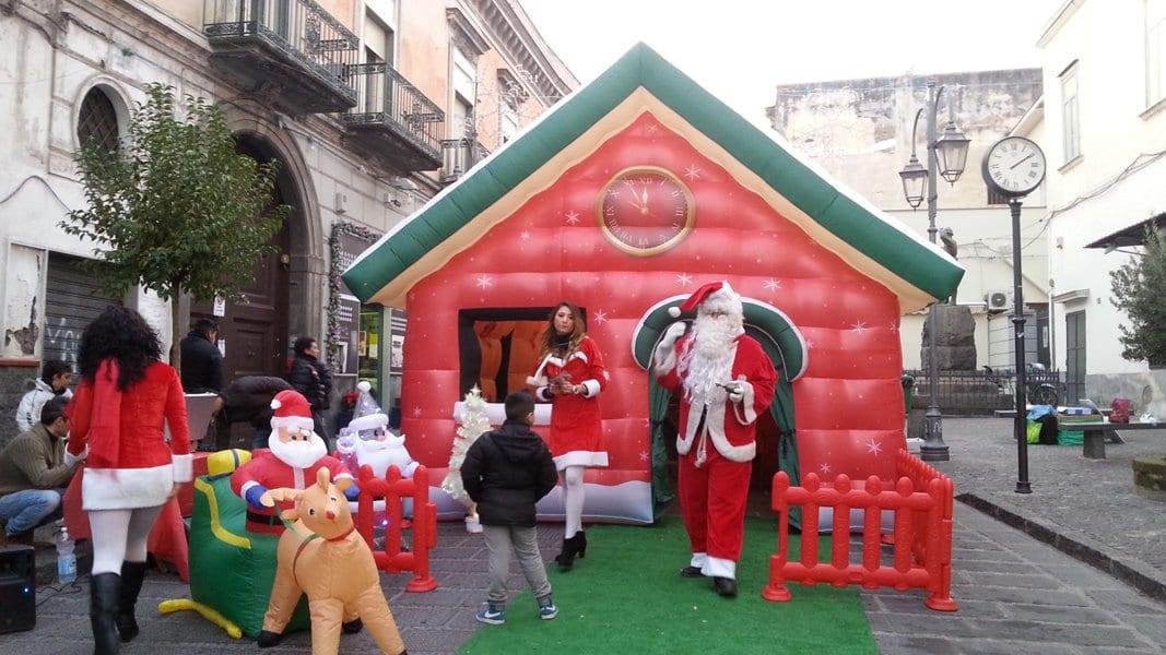Casetta Di Natale Gonfiabile : Casa di babbo natale goniabile 07 gonfiabili pakito