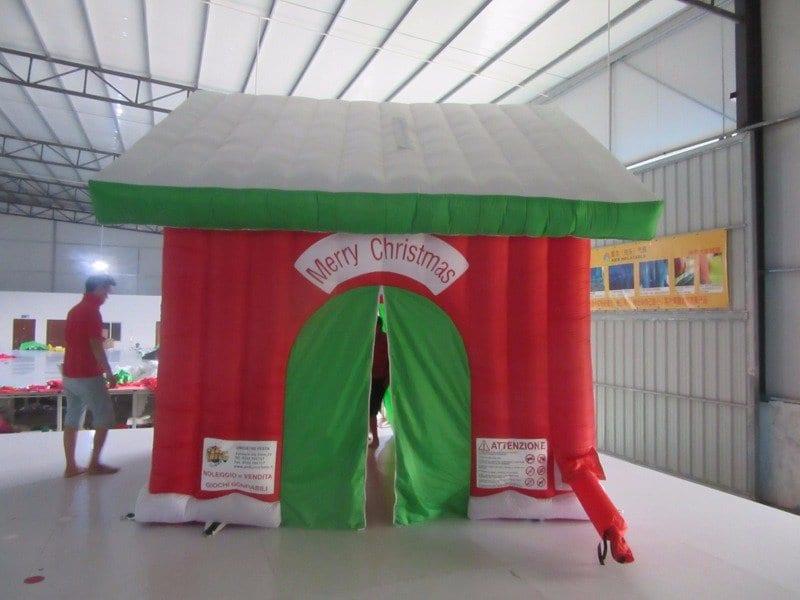 Casetta Di Natale Gonfiabile : Casetta di babbo natale gonfiabili pakito